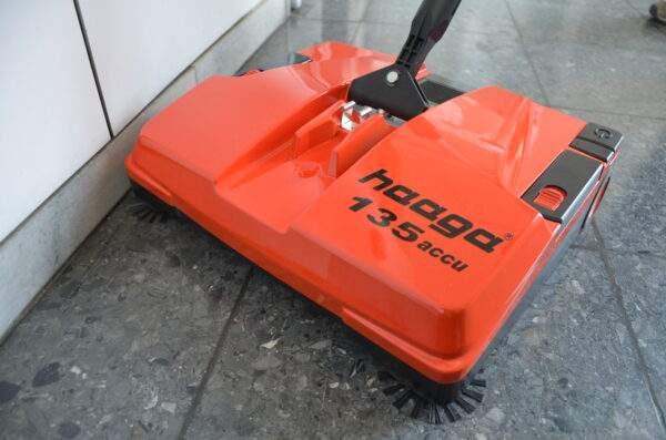 Haaga veegmachine 135