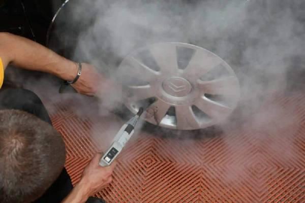 Auto exterieur reinigen met stoomreiniger Steam Tech